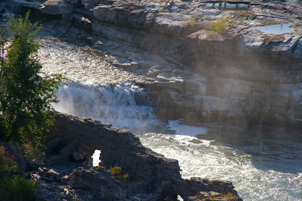 Falls in what do montana great to Where are